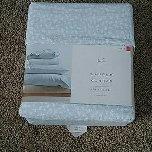 Lauren Conrad Queen Sheet Set
